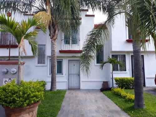 Casa Remodelada En Coto Jardines De Miraflores Tlaquepaque