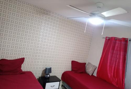 Imagen 1 de 14 de Apartamento Amueblado De 3 Habitaciones En Renta