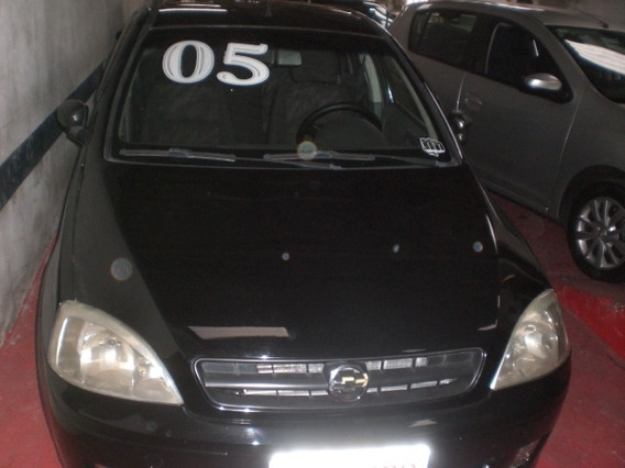 Chevrolet Corsa Sedan 1.0 Joy 4p Preto 2005