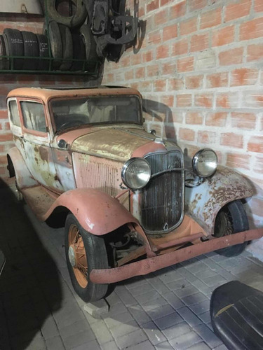 Ford V 8 1932
