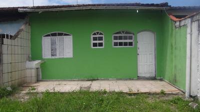 Casa Em Ótima Localização!! Apenas 600 Mts Da Praia!!ref5863