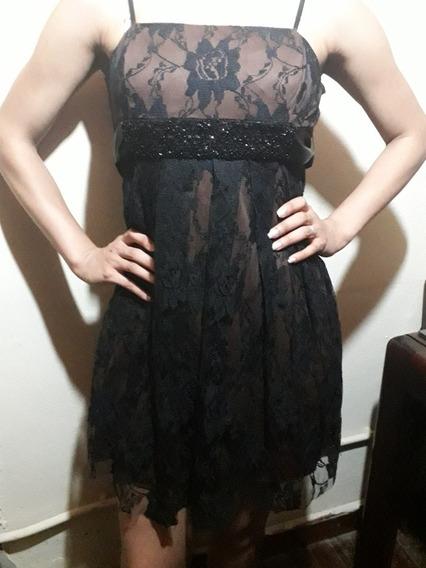 Vestido De Fiesta Corto Con Encaje Negro