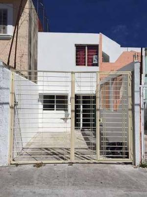 Hermosa Casa En Venta Por El Trompo Mágico, Zona Real