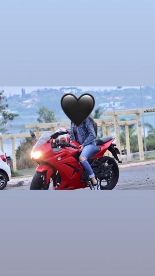 Moto Kawasaki, Quase Não Usada, Nova