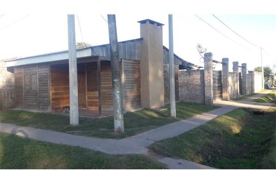 Se Vende Casa En Reconquista, Barrio Center