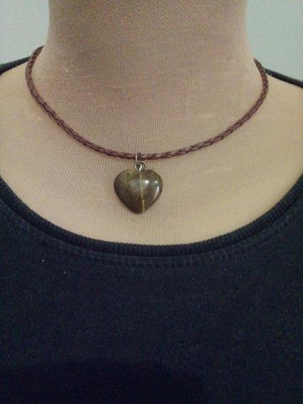 Cordão Trançado De 3mm Em Couro C/ Pingente Coração Em Pedra