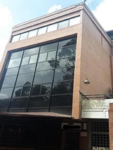 Aj 18-10619 Oficina En Alquiler La Trinidad