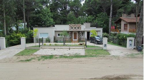 Casa Minimalista 4 Ambientes Con Piscina En Pinamar