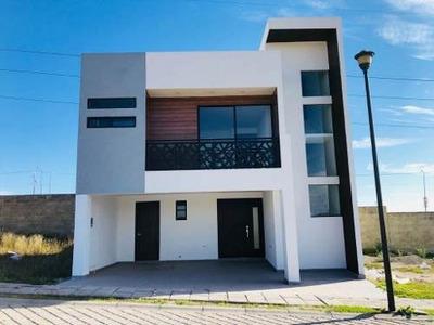 Venta Casa Nueva En Fraccionamiento En Periférico Y Valsequillo.