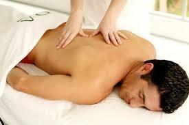 Imagem 1 de 4 de Massagens Em Domicilio Limpeza De Pele Massoterapia