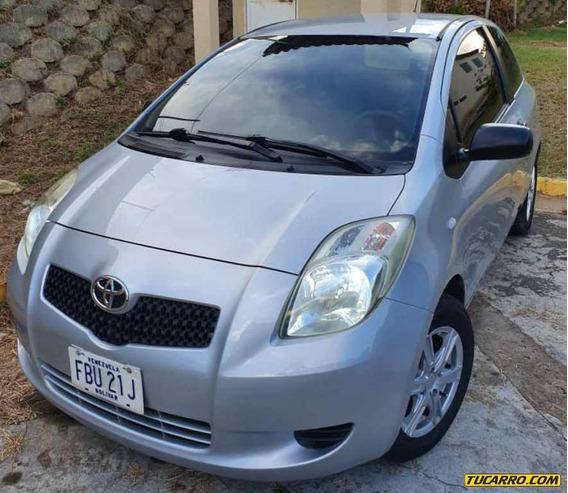 Toyota Yaris - Automática