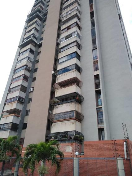 Venta De Apartamento. Urb. Andres Bello. 04145431974
