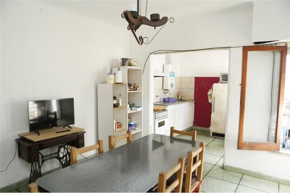 Ph En Venta De 2 Dormitorios En La Plata