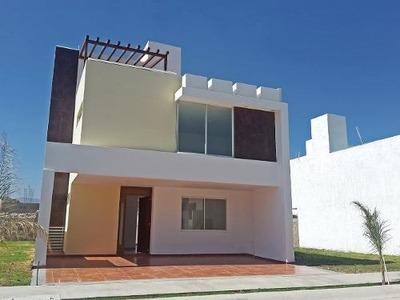 Casa De 2 Plantas, 3 Recamaras En Fuerteventura Mod Toledo