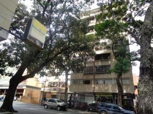 Apartamento En Colinas De Bello Monte Mls #20-9545