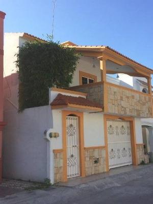 Se Renta Casa En Fracc. Puerta De Hierro