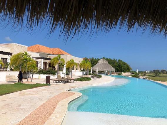 Renta De Apartamento Con Vista A Campo De Golf Y Mar En Golden Bear, Cap Cana