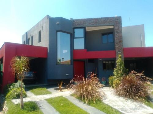 Casa Categoría Barrio Privado La Barraca
