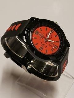Reloj Pulsera Malla Silicona Color Rojo.