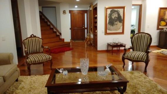 Excelente Apartamento En El Barrio Los Cerros Para Venta