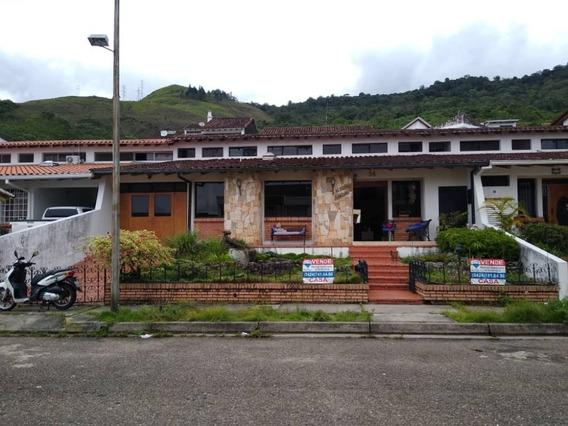 *bella Casa En Venta Urb. Colinas De Pirineos, San Cristóbal