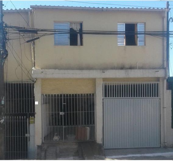 Três Casas No Mesmo Terreno - Ideal Para Renda