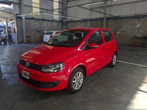 Imagen 1 de 12 de Volkswagen Fox 1.6 5 P Comfortline Pack L/10rojo