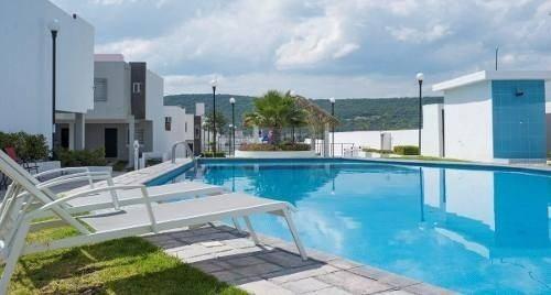 En Paseos Del Sol Residencial, 2 Recamaras, 2 Baños, Alberca, Equipada, Ganela!!