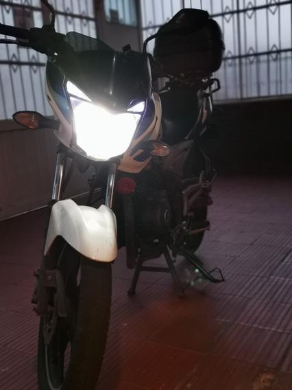 Excelente Discover 125 St - Moto