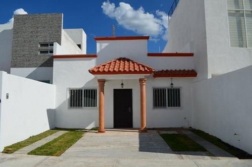 Casa En Corregidora Las Trojes Querétaro