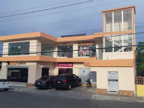Local Comercial En San Isidro - Frente Al Supermercado Jumbo