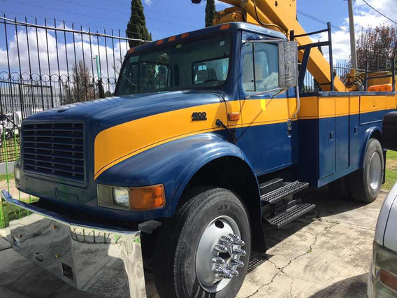 International 4900 Grua 2000
