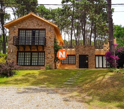 Casa En Alquiler, Rincón Del Indio, Punta Del Este- Ref: 217731