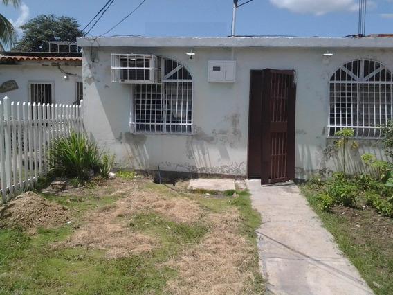 Venta Casa Urb. Santa Elena Palo Negro Cod. 20-5878