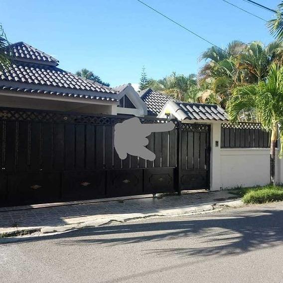 Casa De 4 Habitaciones Y 3 Baños Marquesina 4 Carros Gurabo