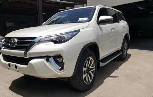 Imagen 1 de 4 de Toyota Sw4 7 Asientos Cuero At. 2021