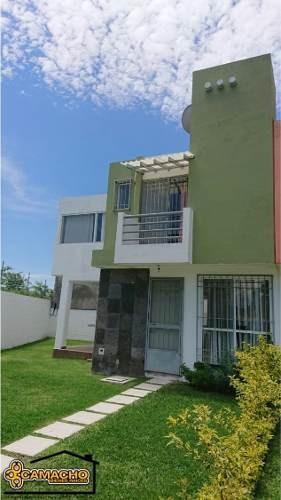 Casa En Venta 3 Recámaras, Colinia Campo Sotelo. Omc-0125
