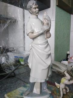 Médico Obstetra. Lladro