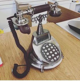Telefono Moderno Con Diseño Antíguo