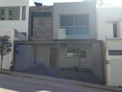 Casa Nueva De 2 Pisos En Renta
