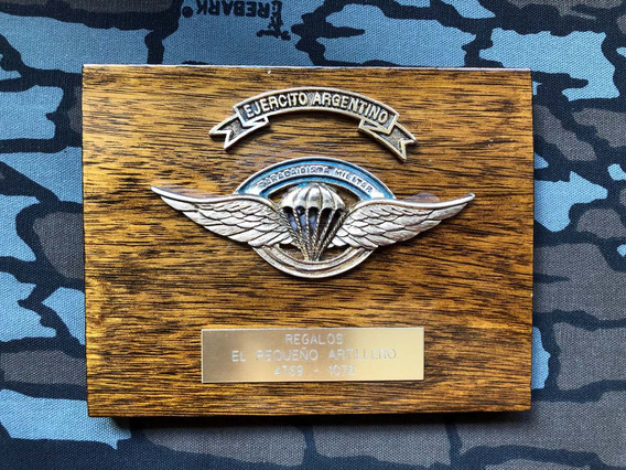 Panoplia / Cuadro Paracaidista Militar