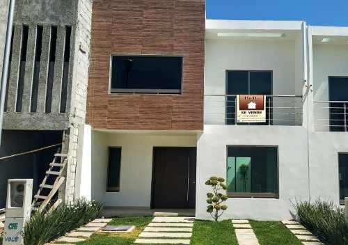 Casa En Venta En Residencial Terranova Al Sur De Pachuca Hgo