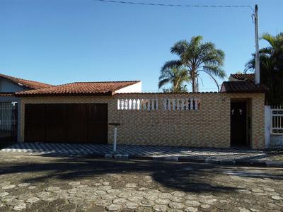 Casa Na Praia , Quintal, Espaço Para Piscina, Área Verde .