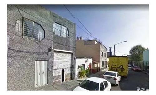 Imagen 1 de 1 de Edificio En Calle Río Becerra, Col. 8 De Agosto
