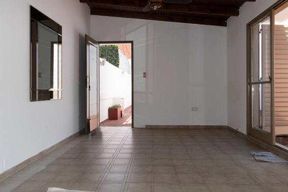 530 E/ 9 Y 10 Ph Tipo Casa De 2 Dormitorios Con Patio
