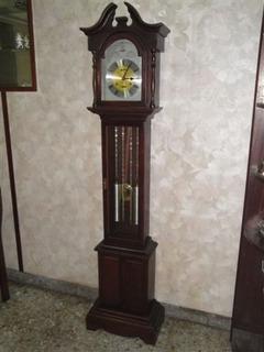 Liquido Antiguo Reloj De Pie A Cuerda 31 Dias No Pared Cucu
