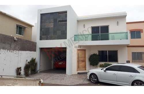 Bonita Y Excelente Casa Moderna Buenos Acabados En Semi Privada