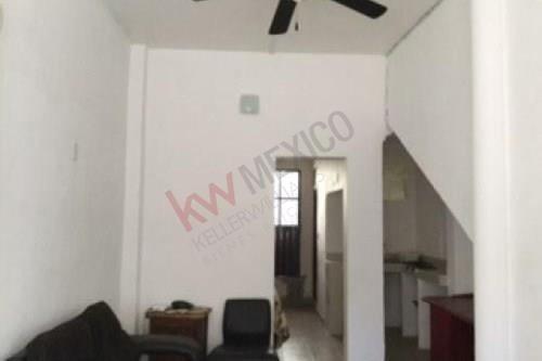 Edificio En Venta, Cuernavaca, Morelos, Cuenta Con 3 Departamentos Y Un Local Comercial.