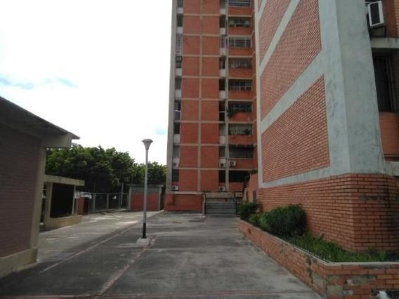Apartamento En Venta Cabudare Centro , Al 20-2135