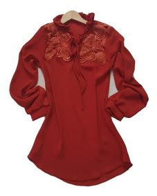 Camisa Feminina Crepe Manga Longa Em Renda Coração